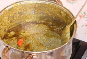 Sauce feuilles de manioc à l'huile d'arachide